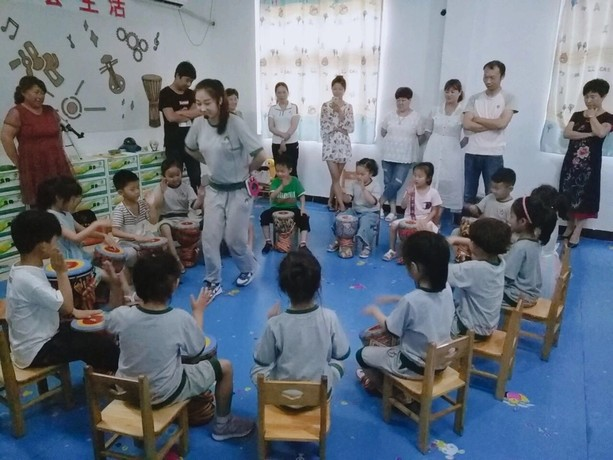 幼儿园非洲鼓教案——《王老先生有农场》